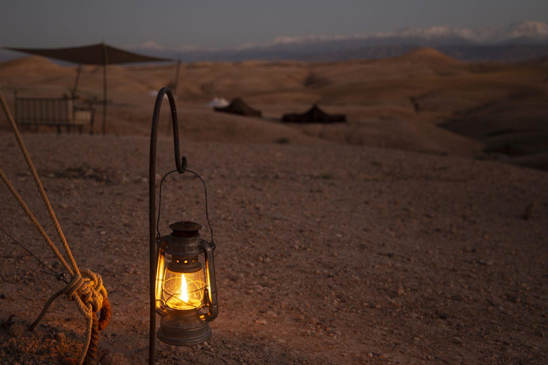 abends werden Hunderte von Lampen entzündet