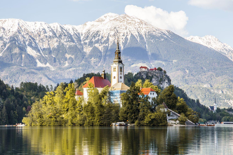 die Klosterinsel im See