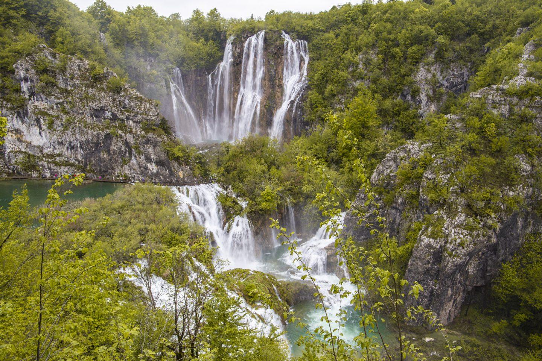 der tosende Veliki Slap - Kroatien's höchster Wasserfall