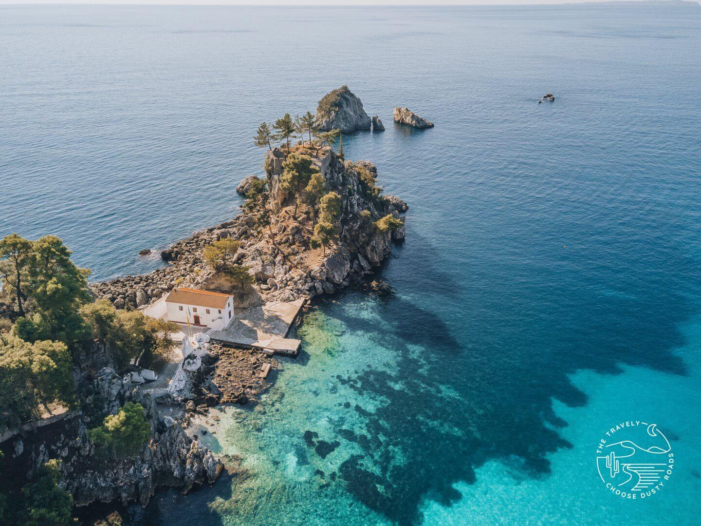 die Panagia Kapelle auf einer der kleinen Inselchen vor Parga
