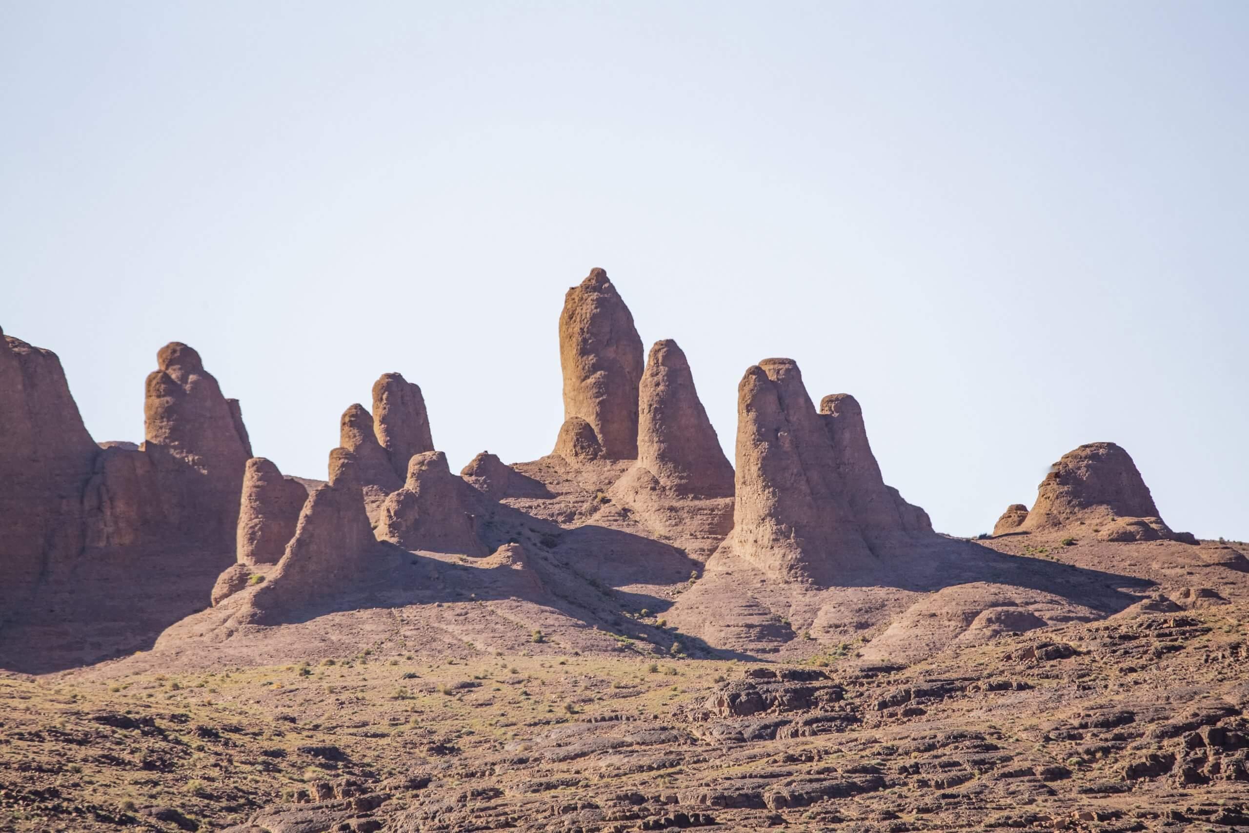 bizarre Felsformationen nahe den Doppelgipfel des Bab n'Ali