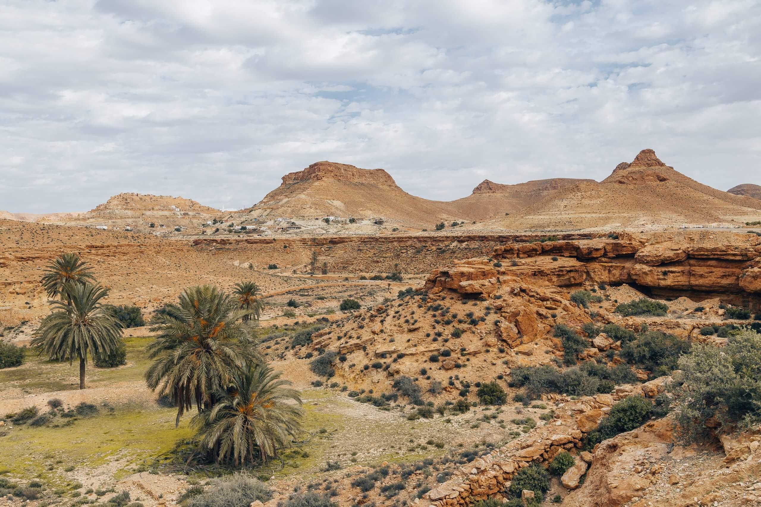 Canyonlandschaft rund um das Dorf