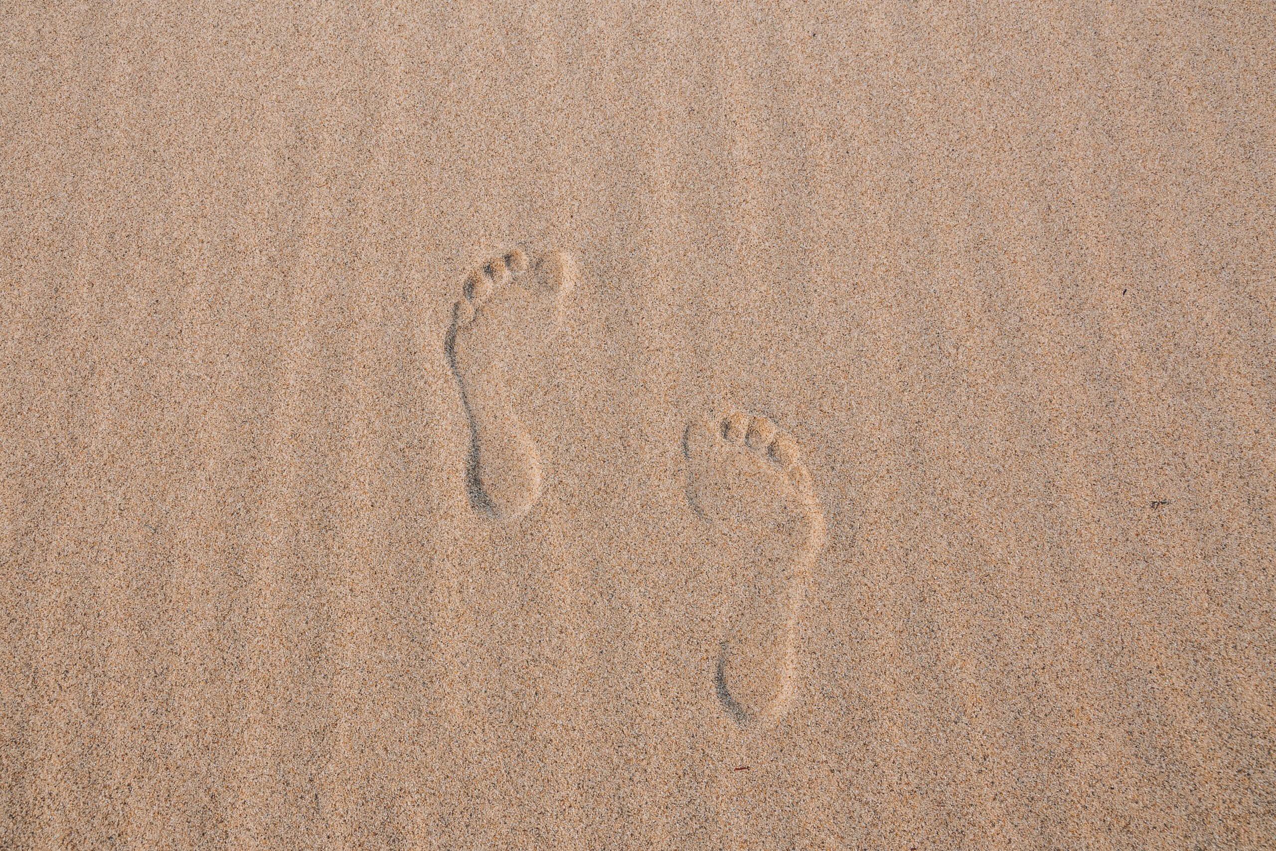 """das Motto an der Costa Verde: """"Hinterlasse nur Spuren, die der Wind verblasen kann."""""""