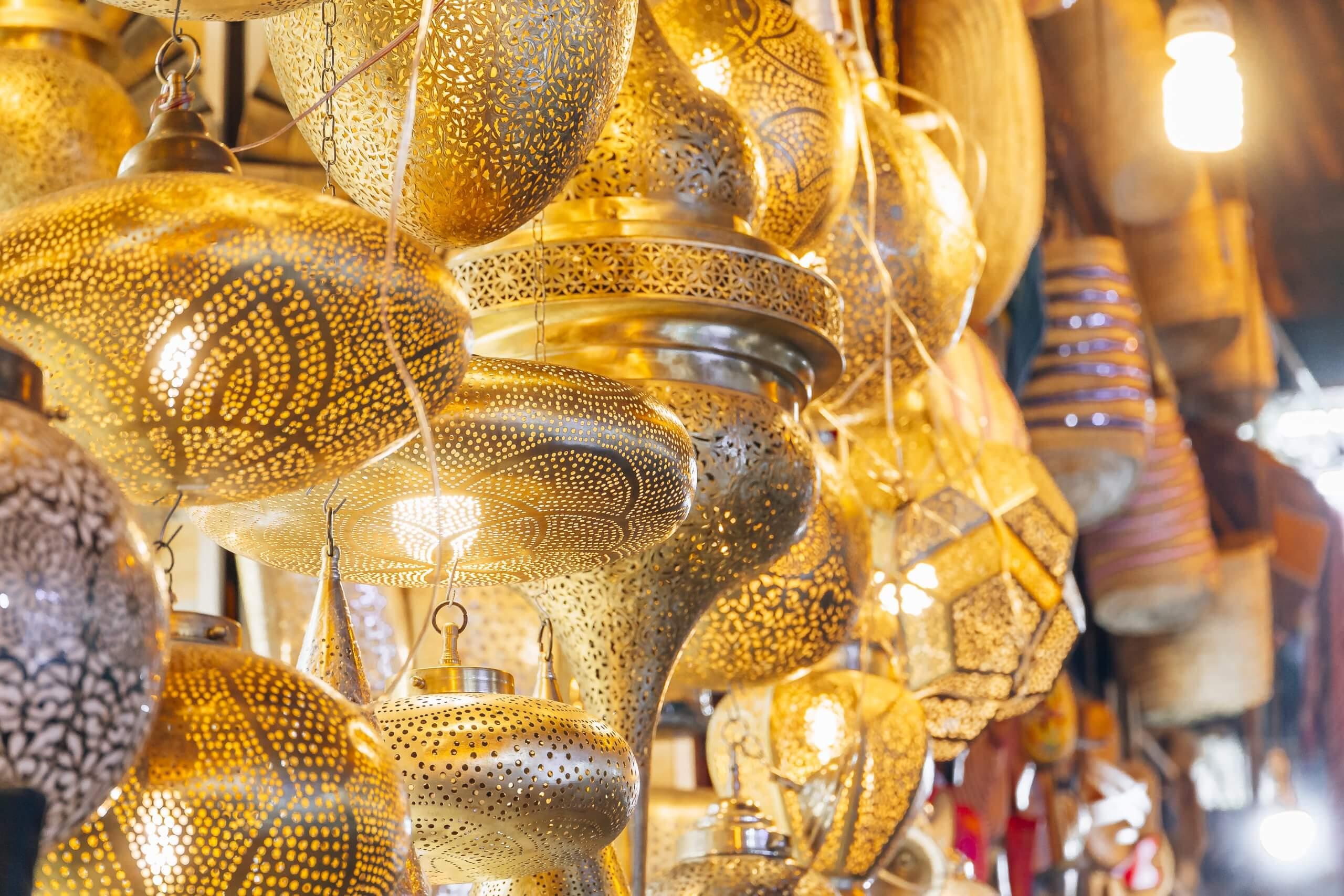 filigrane Lampen in der Medina