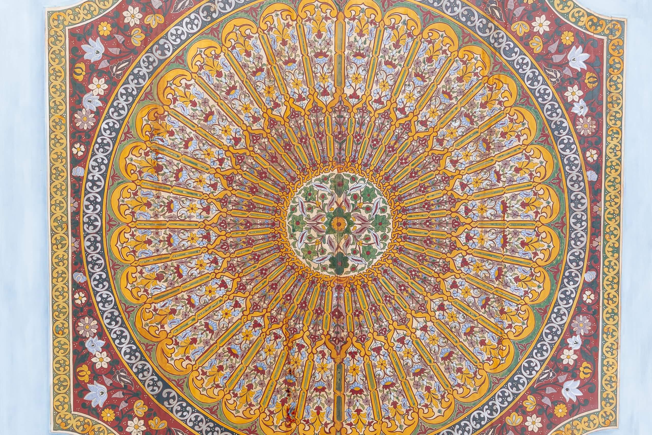 filigrane Malereien im Palast