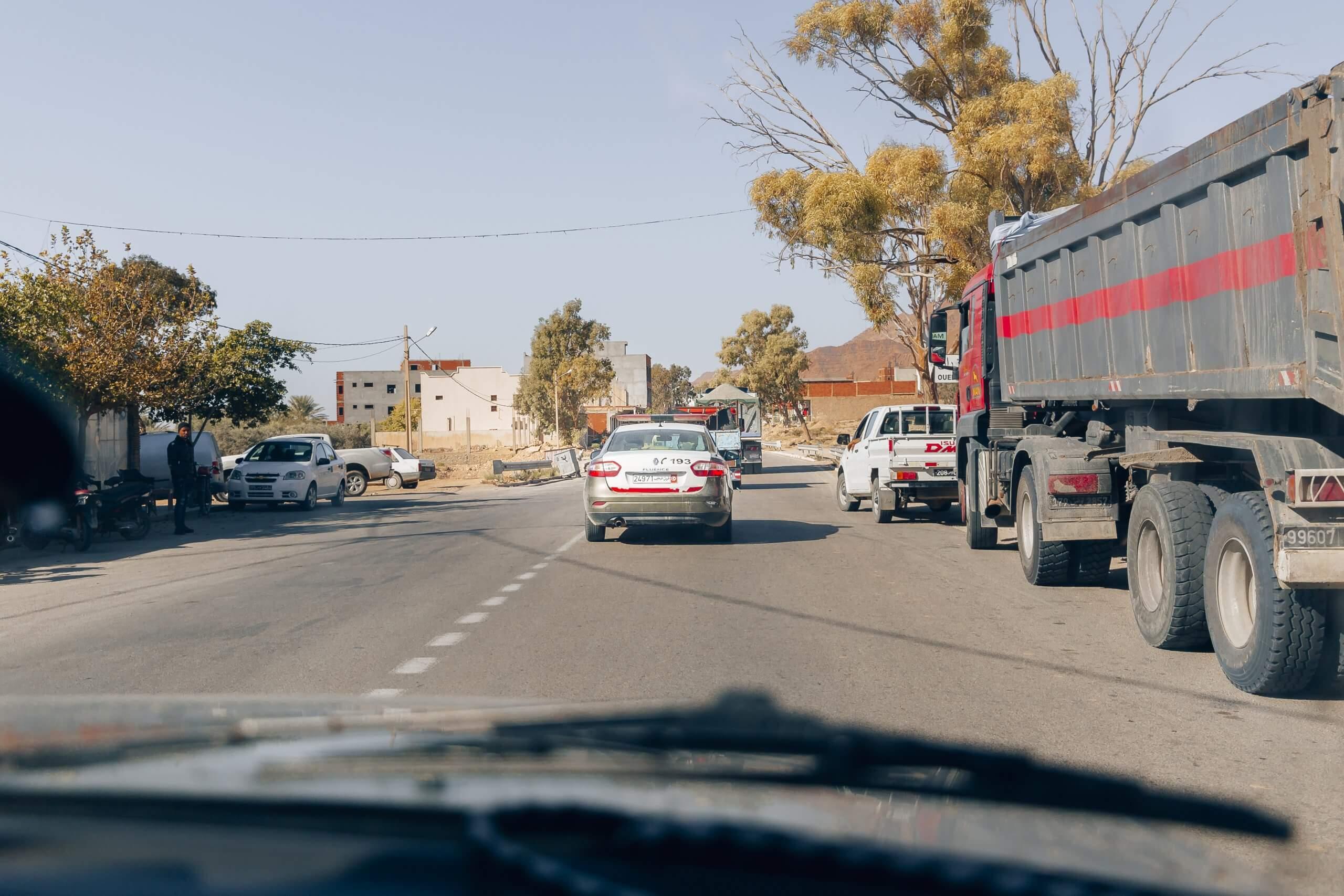 unterwegs im Polizeikonvoi