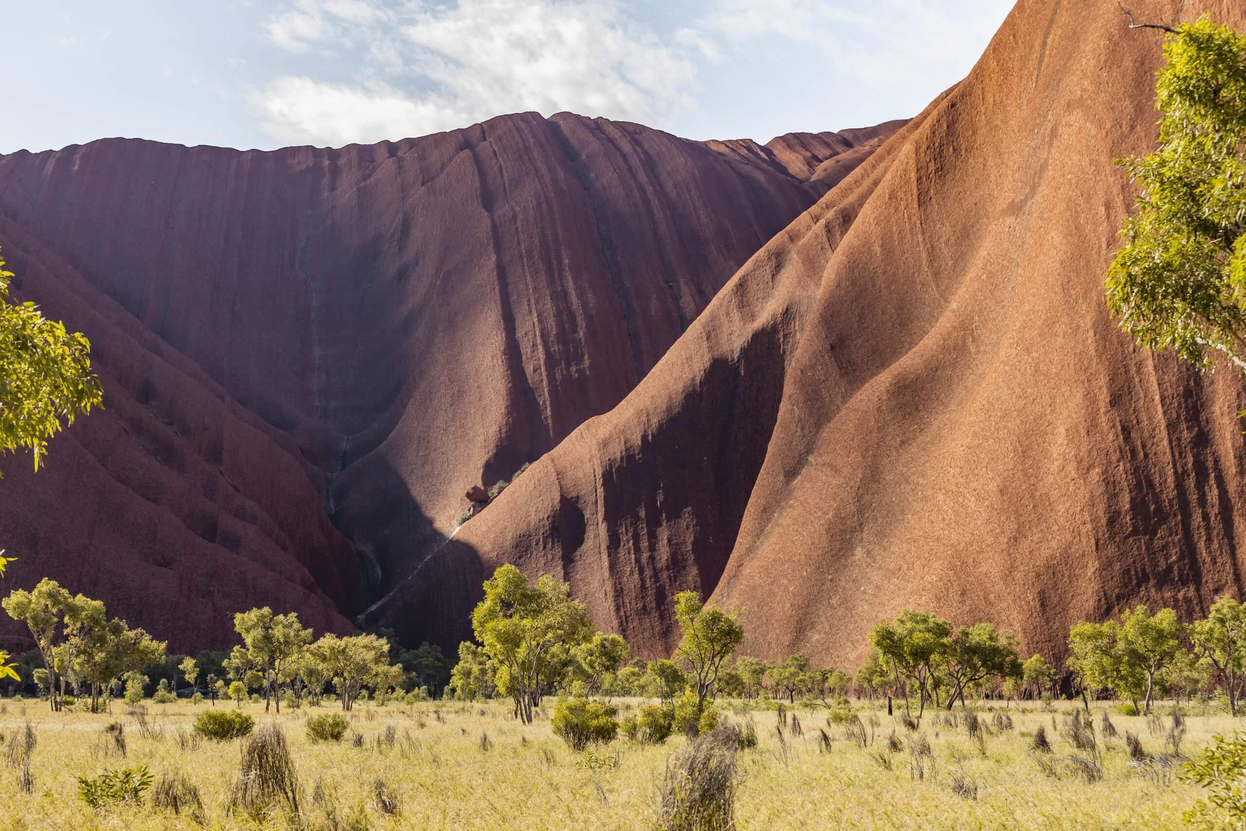 Ausblick auf die Felsmassen des Uluru
