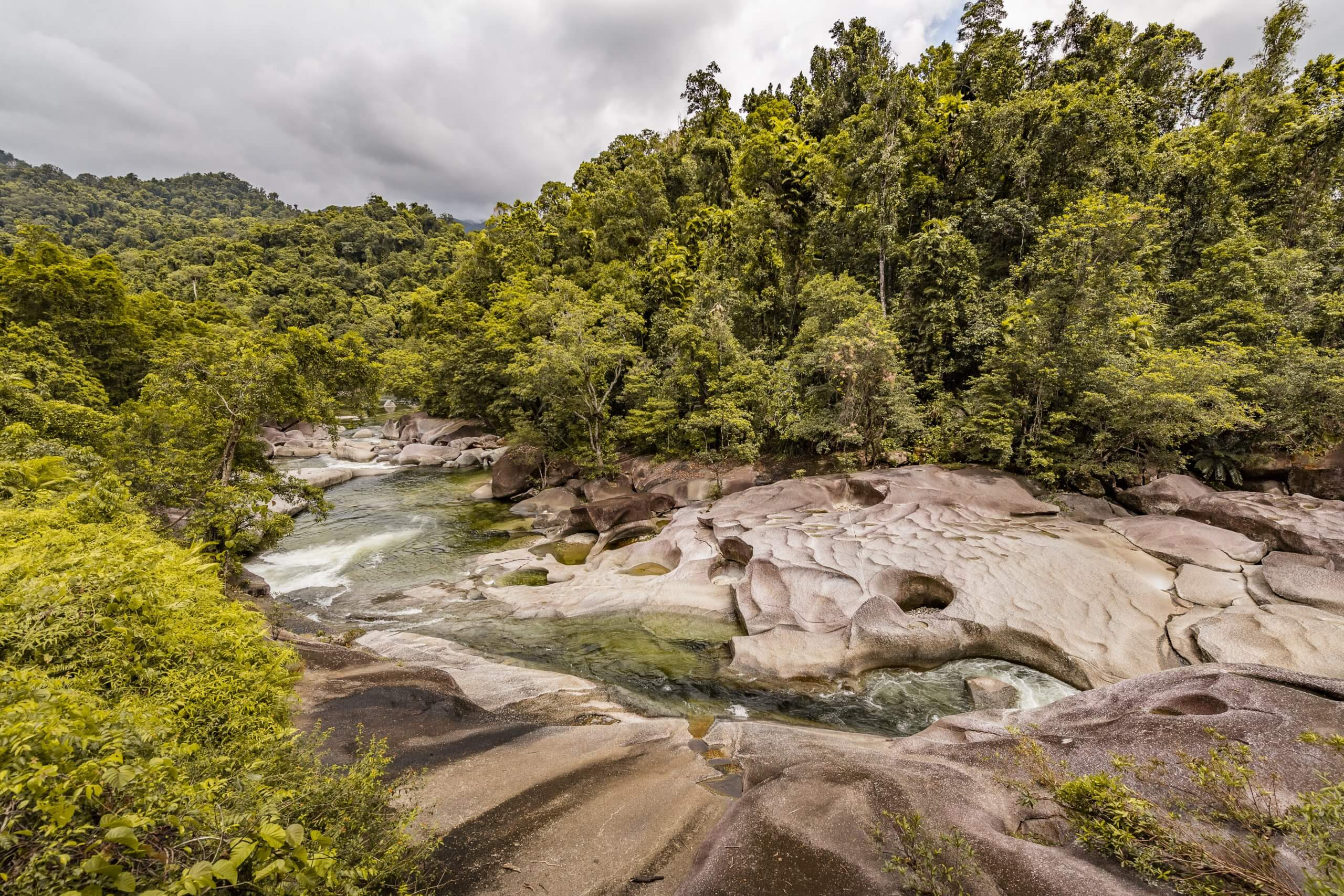 das spektakuläre Flusstal der Babinda Boulders