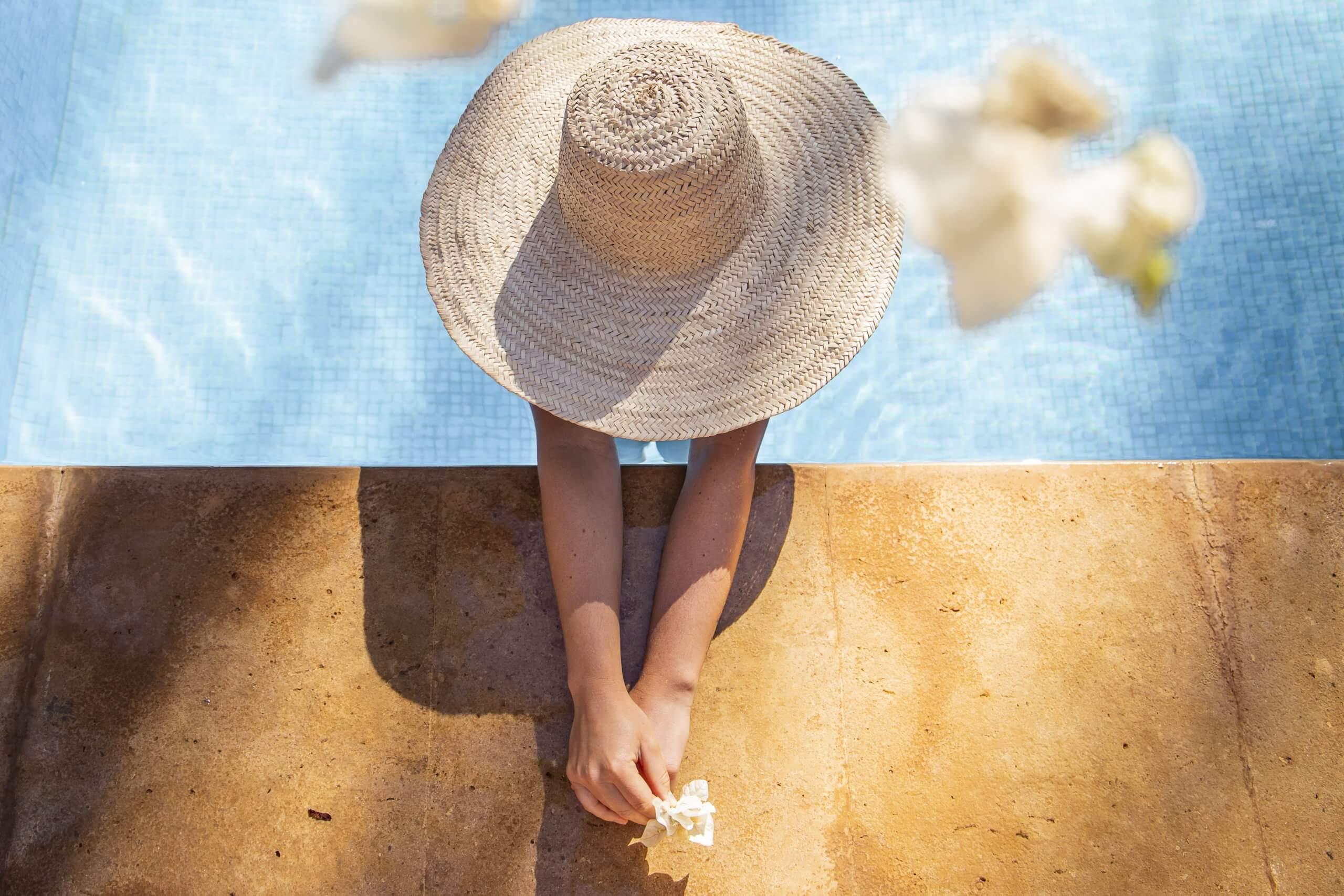 am erfrischenden Pool