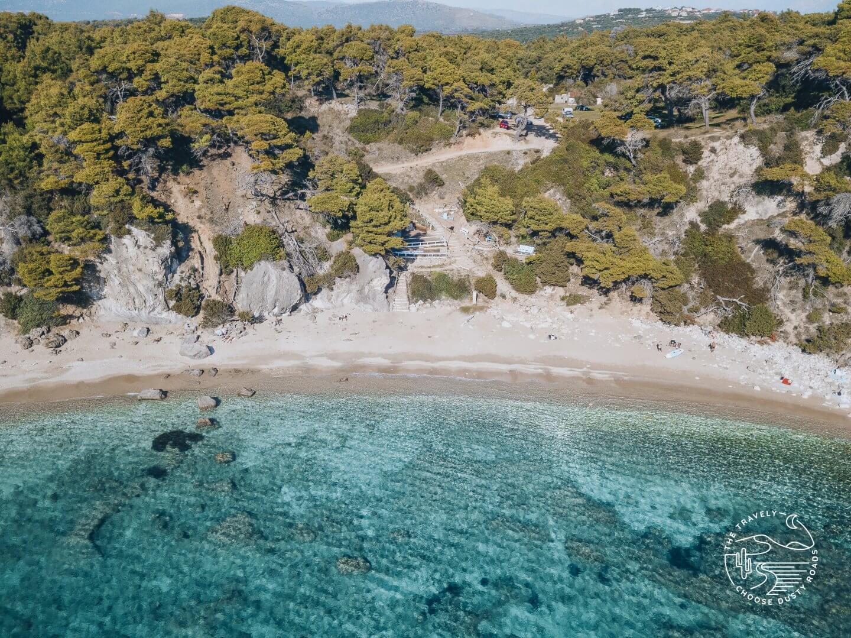 zu Recht auf der Liste der schönsten Strände rund um Parga: der Alonáki Beach